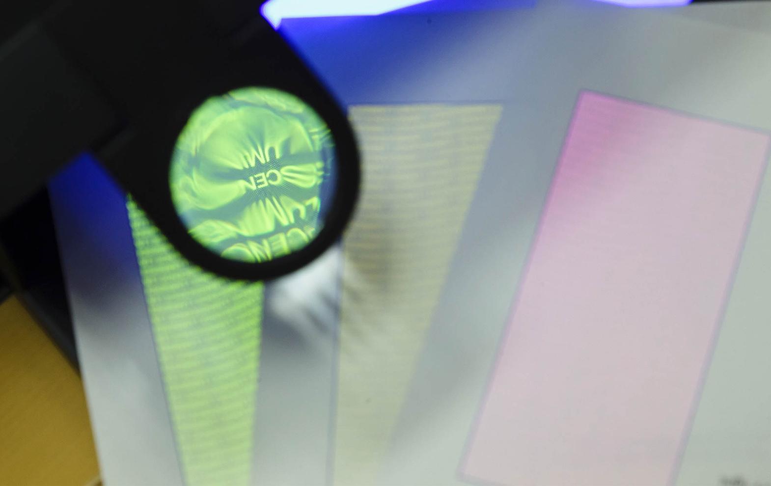 tickets und sicherheitsdruck unsichtbar fluoreszierende farbe. Black Bedroom Furniture Sets. Home Design Ideas